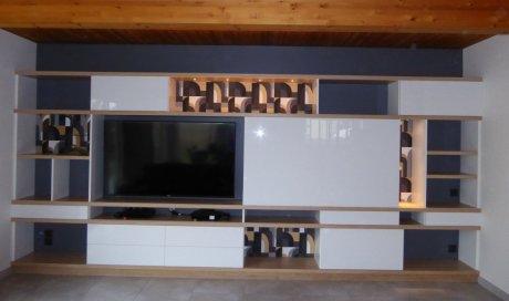 Menuisier à Fougères pour création de meuble en bois amovible sur mesure
